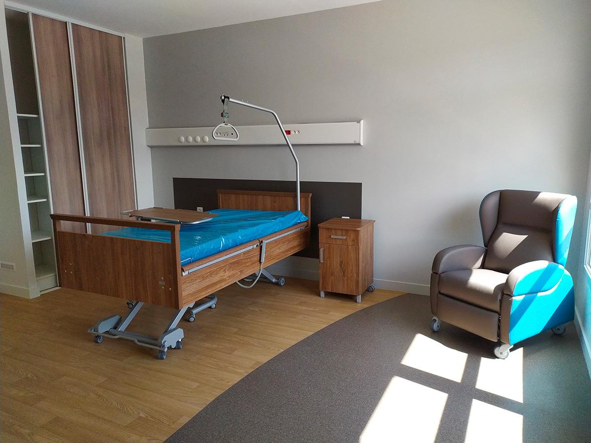 Read more about the article Mado l'infirmière ravie de travailler dans la nouvelle clinique