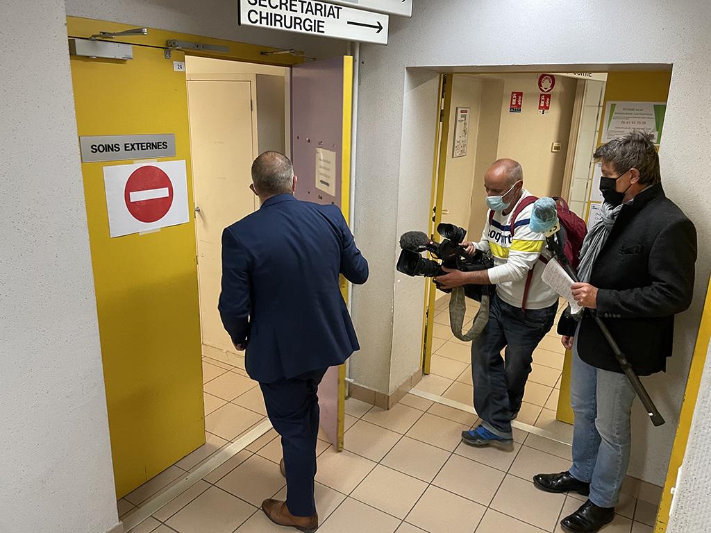 Read more about the article La télévision régionale présente pour l'ouverture de la nouvelle clinique